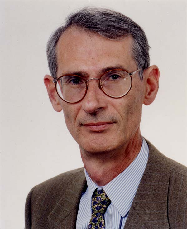 Photo of Alain d'Iribarne an economist specialising in work-related sociology and the chairman of the scientific committee of Actineo.