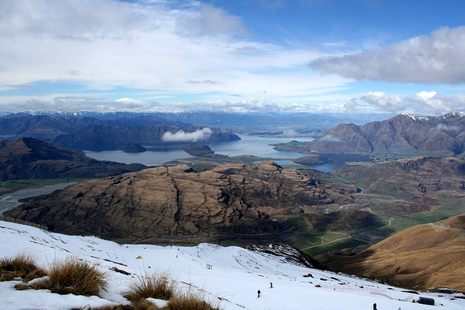 Treble Cone Station with a view of Lake Wānaka, NZ © ArmelleSolelhac